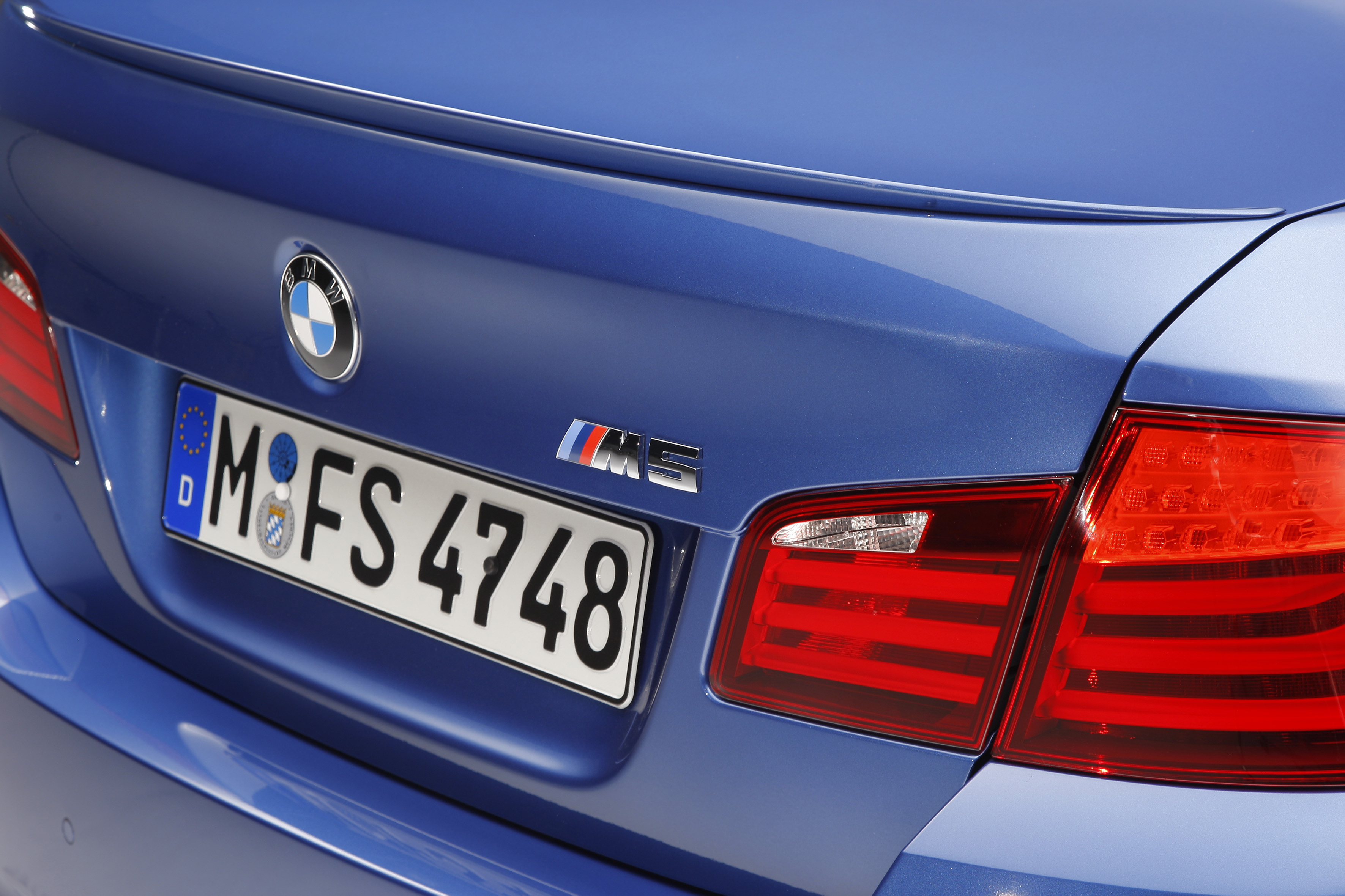OFFICIAL BMW M5 Production pics high resolution!-p90078402.jpg