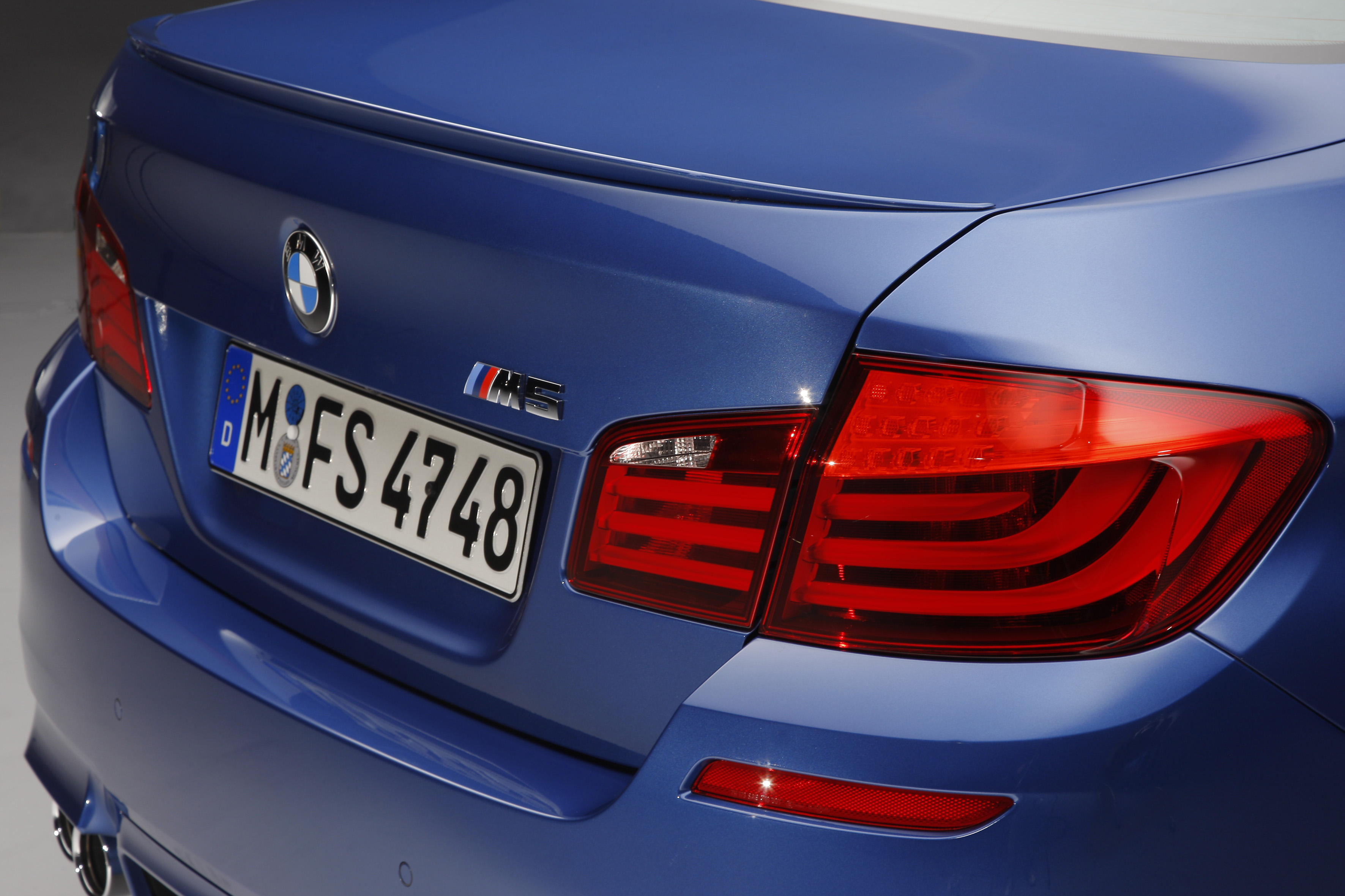 OFFICIAL BMW M5 Production pics high resolution!-p90078406.jpg