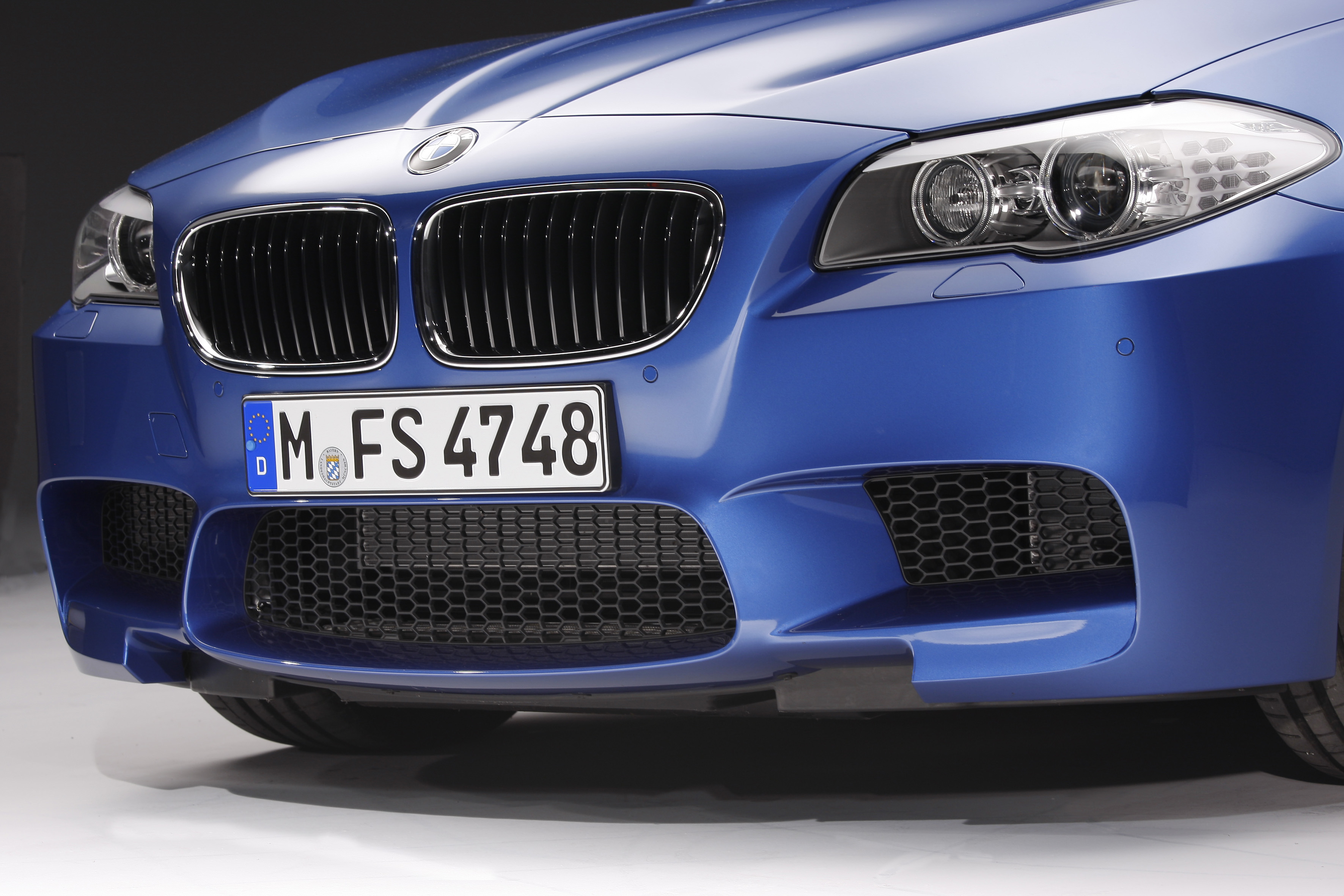 OFFICIAL BMW M5 Production pics high resolution!-p90078411.jpg