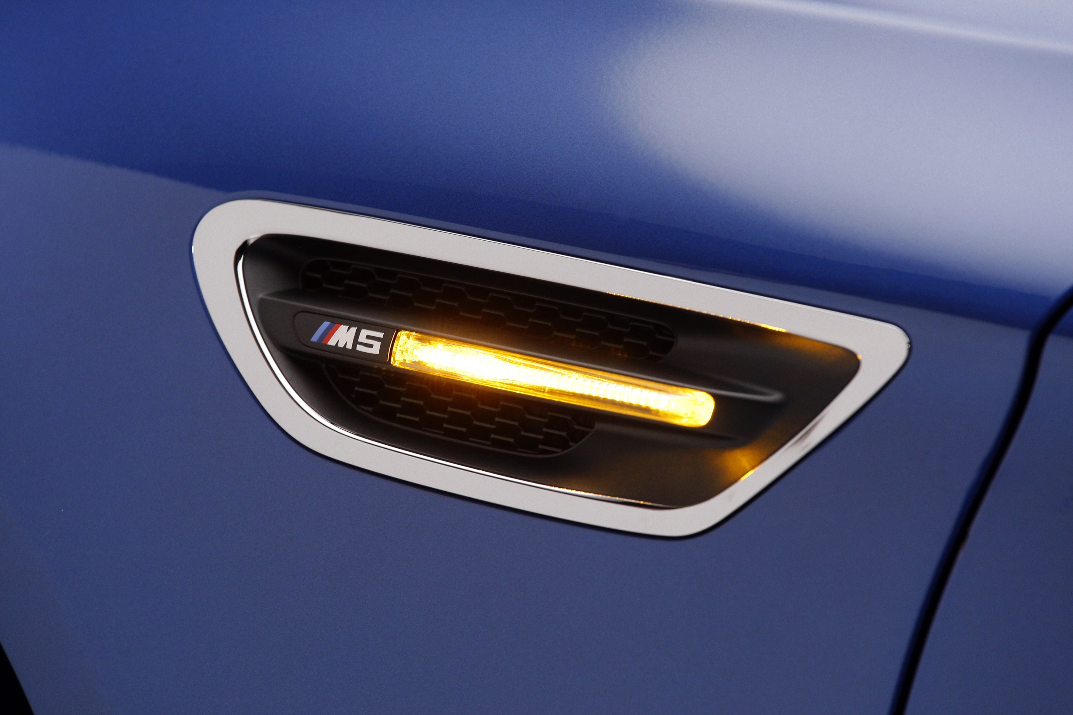 OFFICIAL BMW M5 Production pics high resolution!-p90078413.jpg