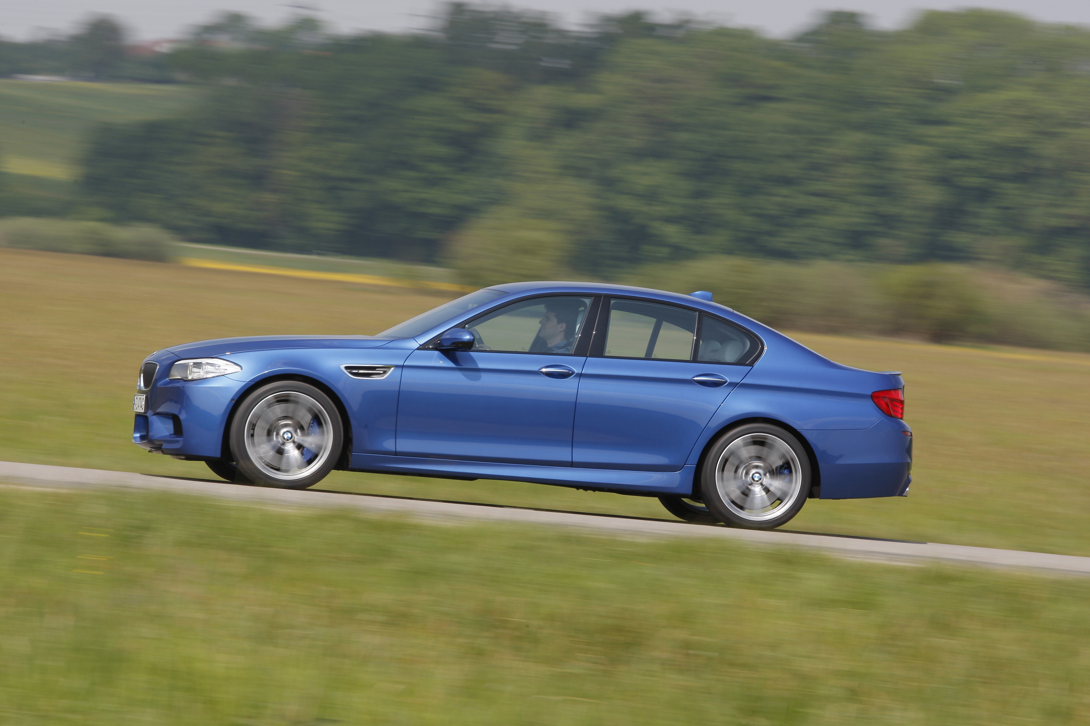 OFFICIAL BMW M5 Production pics high resolution!-p90078418.jpg
