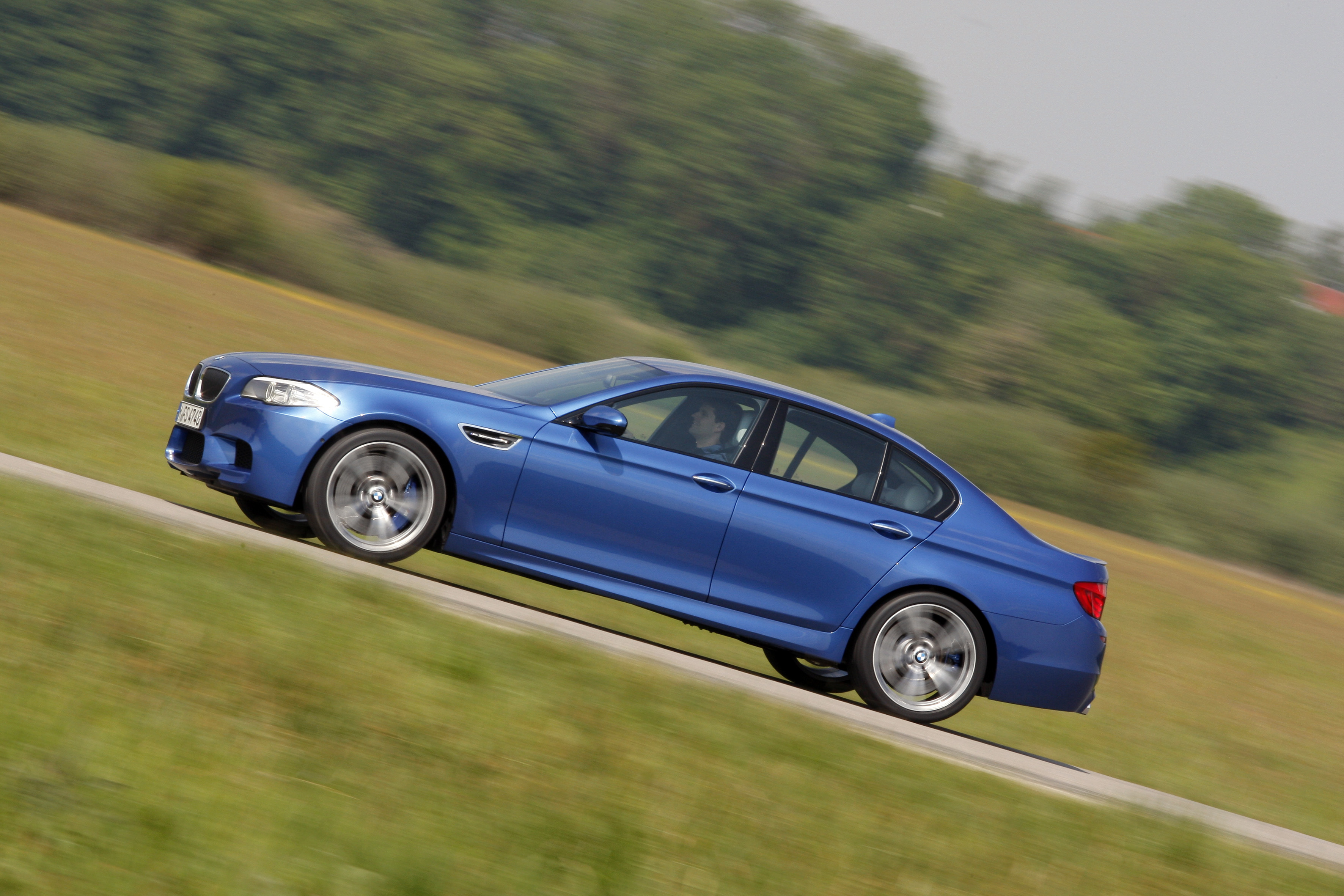 OFFICIAL BMW M5 Production pics high resolution!-p90078420.jpg