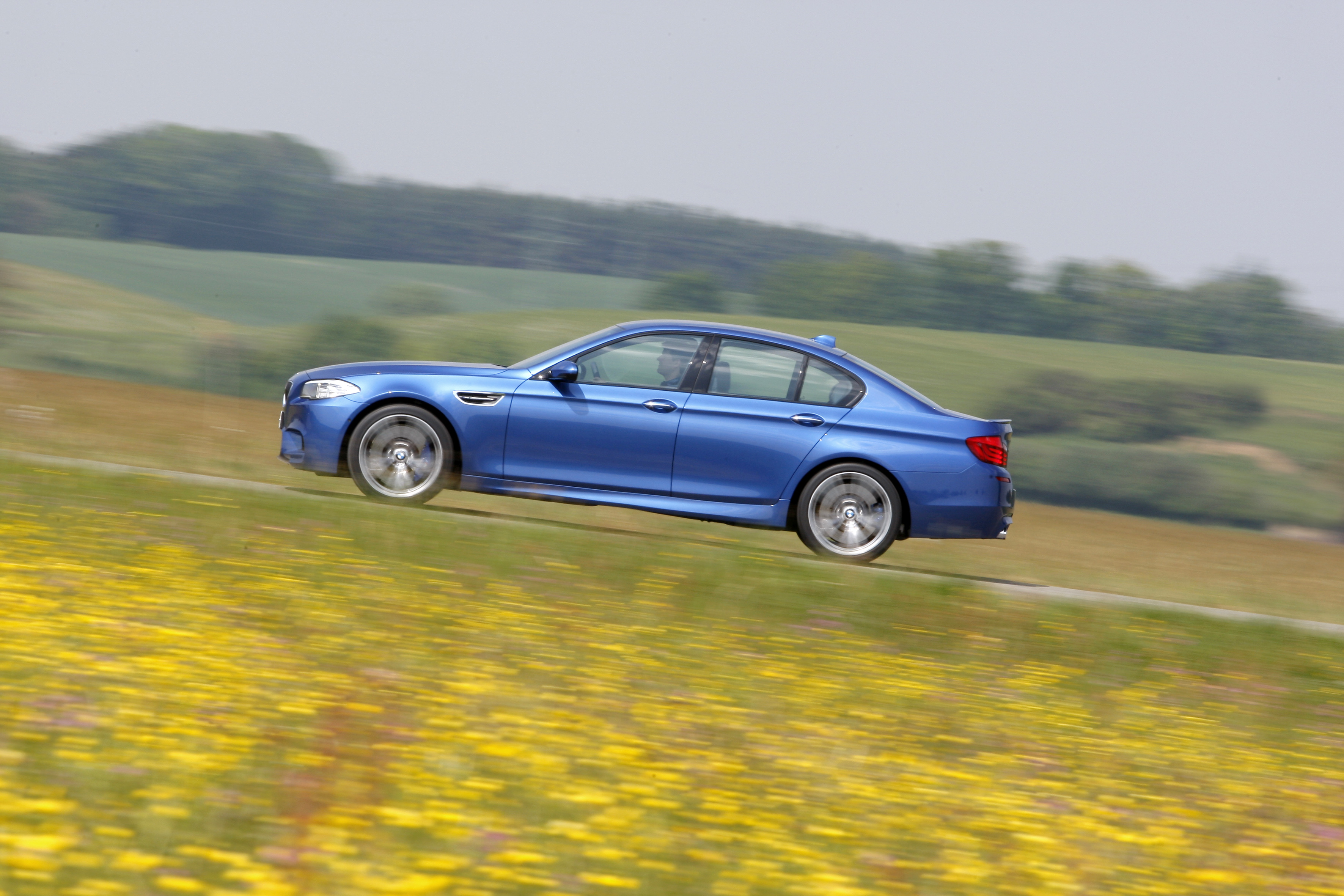OFFICIAL BMW M5 Production pics high resolution!-p90078421.jpg