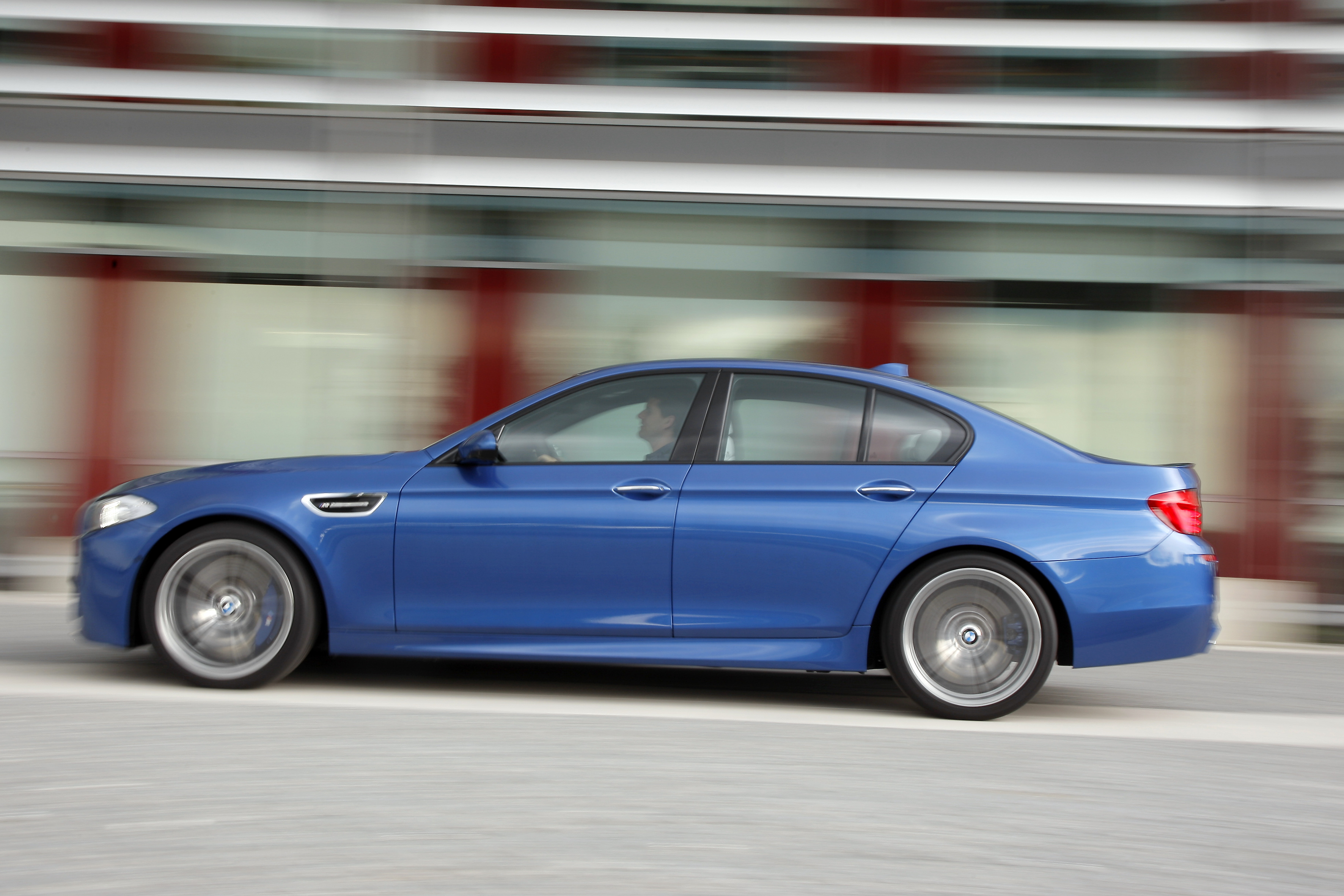 OFFICIAL BMW M5 Production pics high resolution!-p90078428.jpg