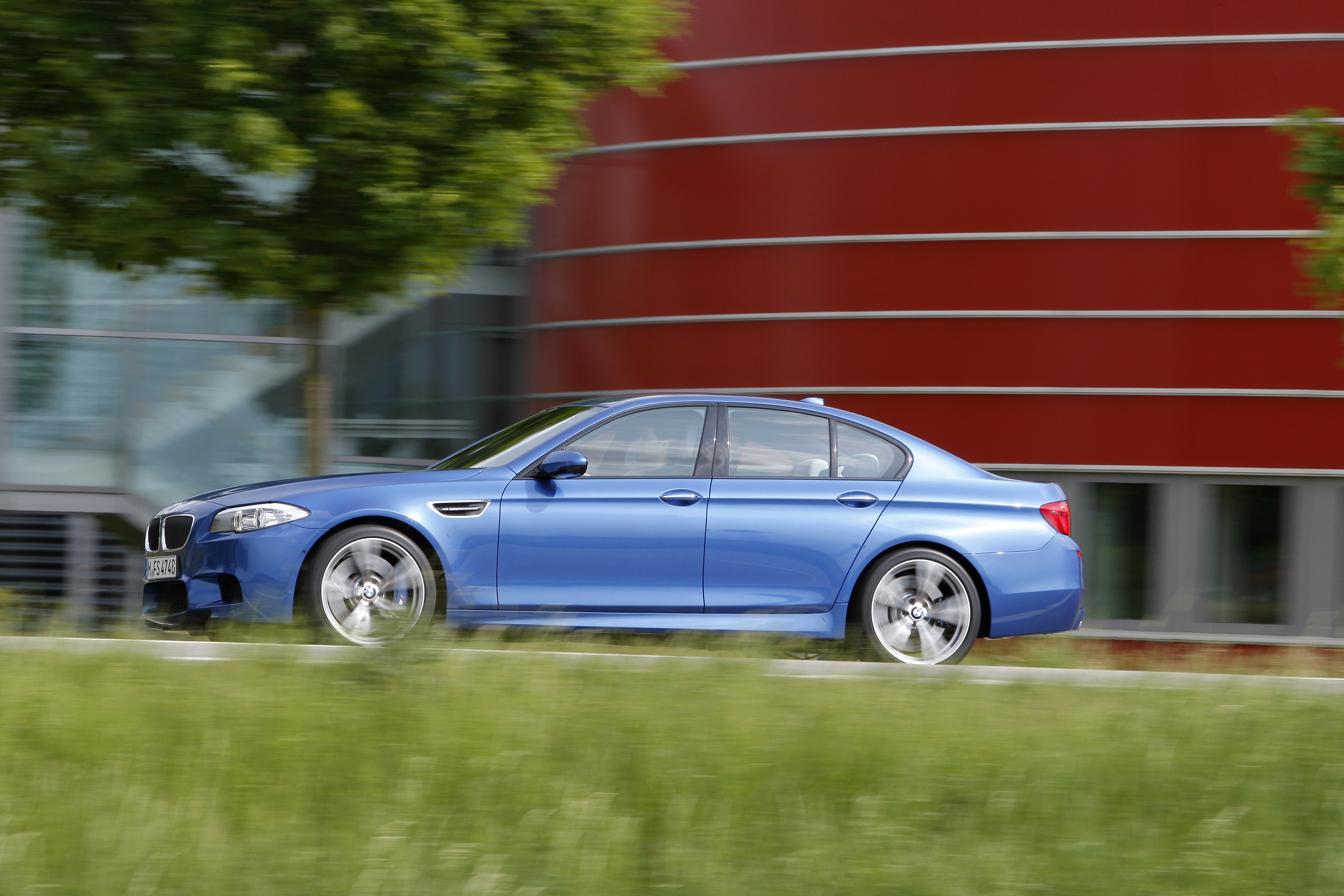 OFFICIAL BMW M5 Production pics high resolution!-p90078432.jpg