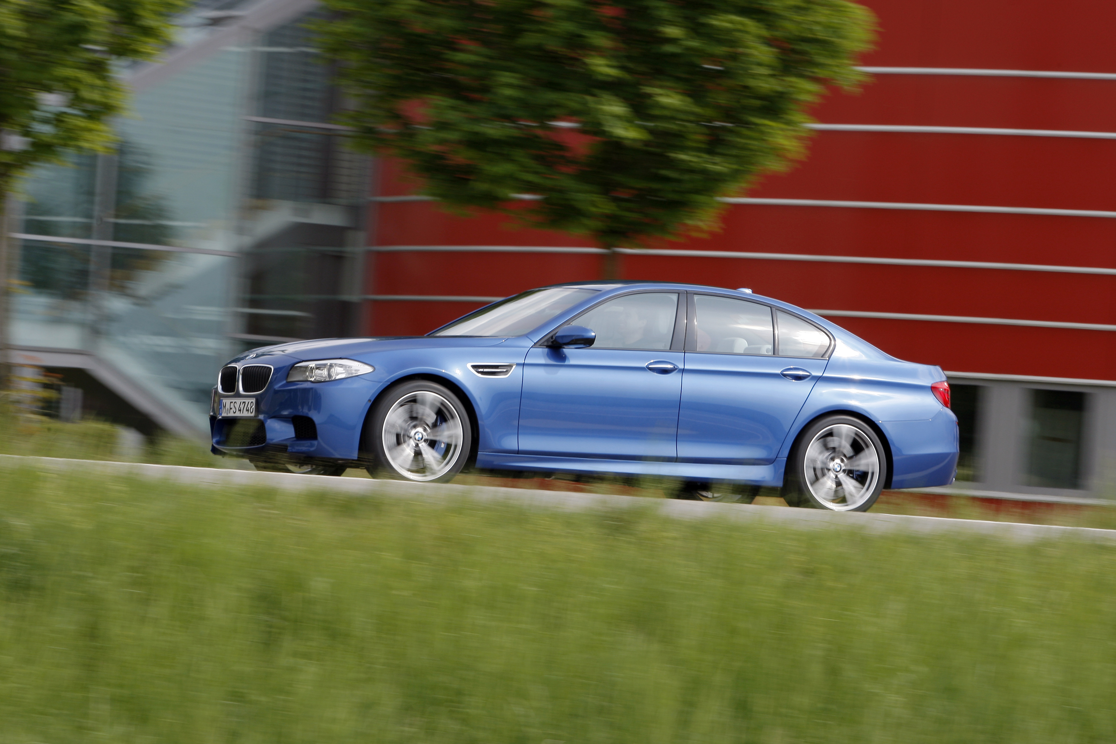 OFFICIAL BMW M5 Production pics high resolution!-p90078434.jpg