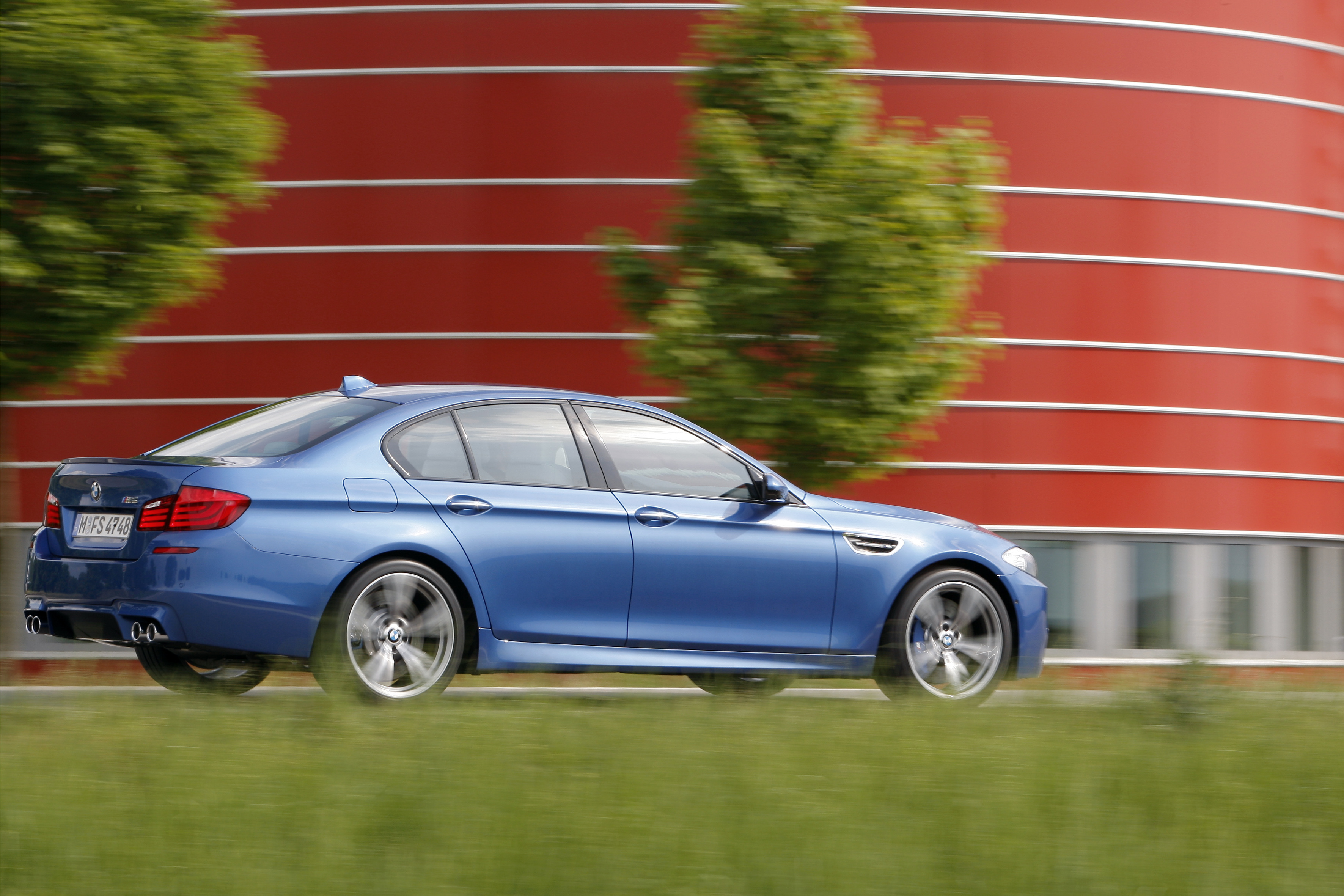 OFFICIAL BMW M5 Production pics high resolution!-p90078437.jpg