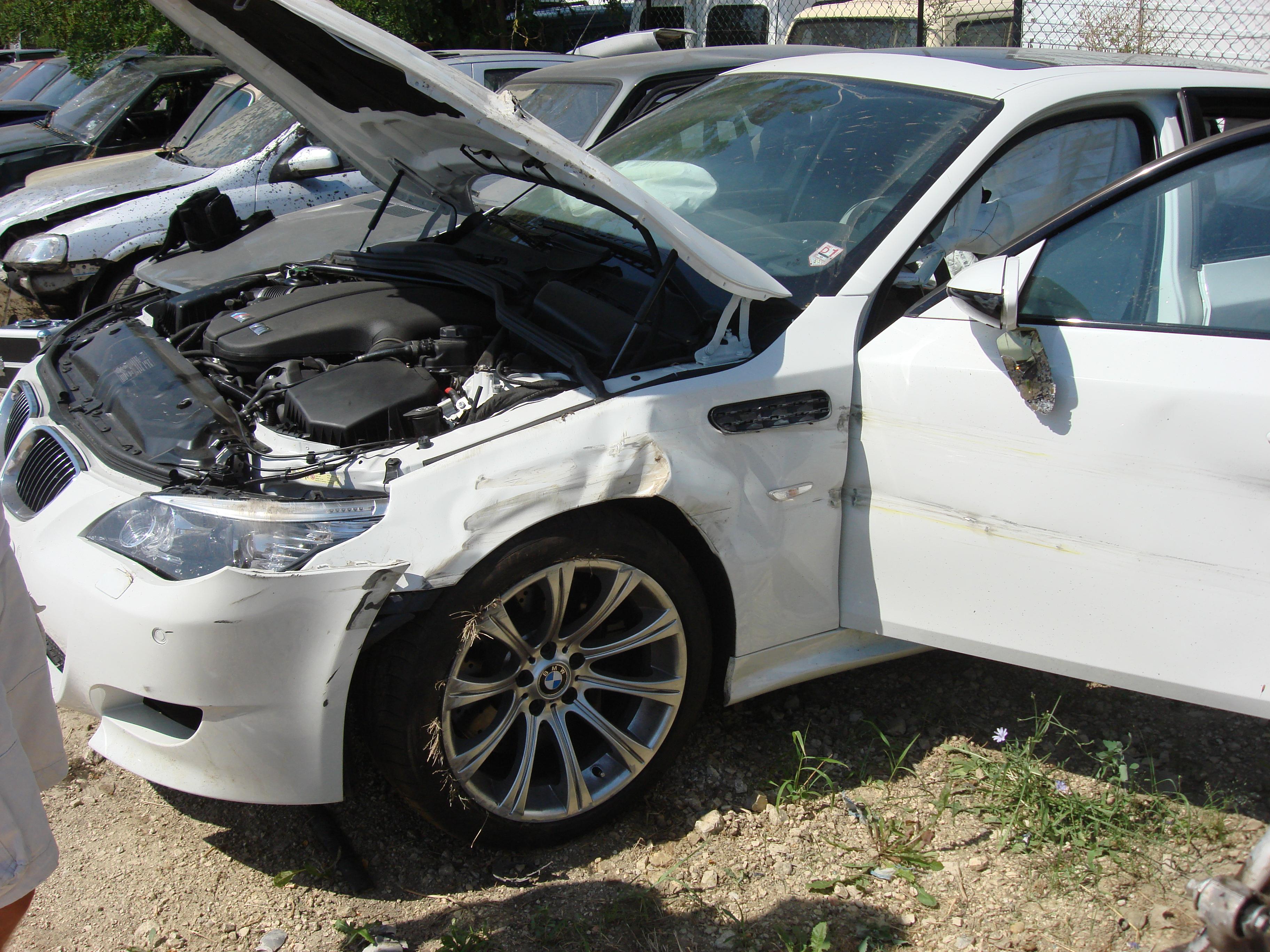 photos and story of autobahn crash (no more alpine white e61 m5