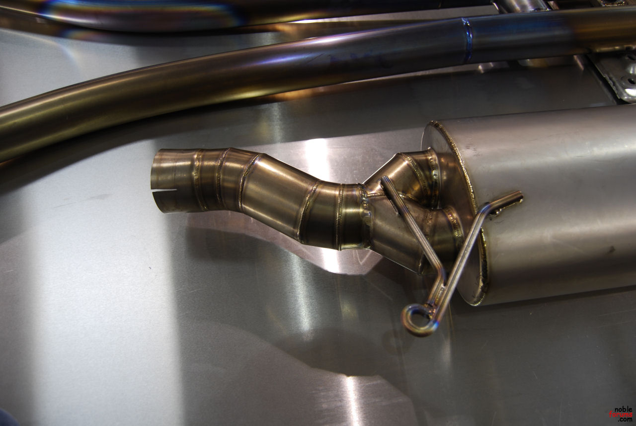Dixis Titanium Exhaust and H Pipe-welds1.jpg