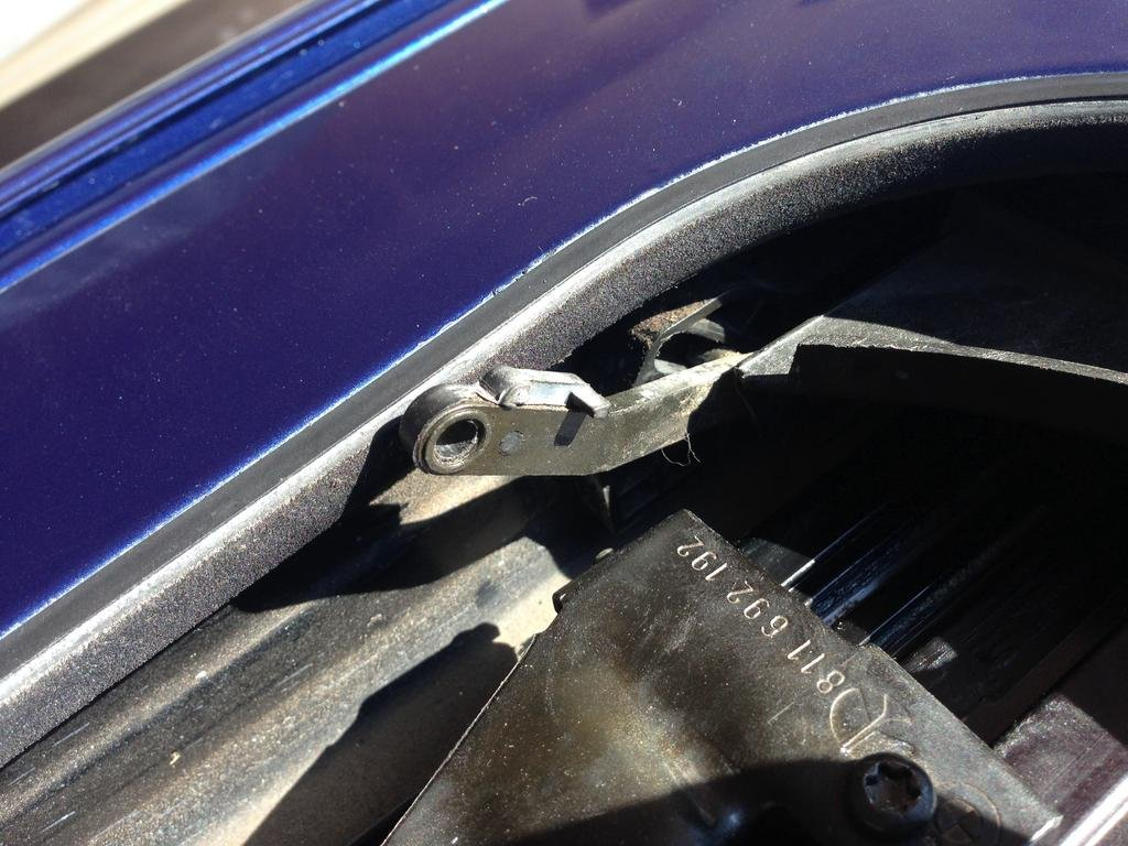 Trying to fix broken sunroof    | BMW M5 Forum and M6 Forums