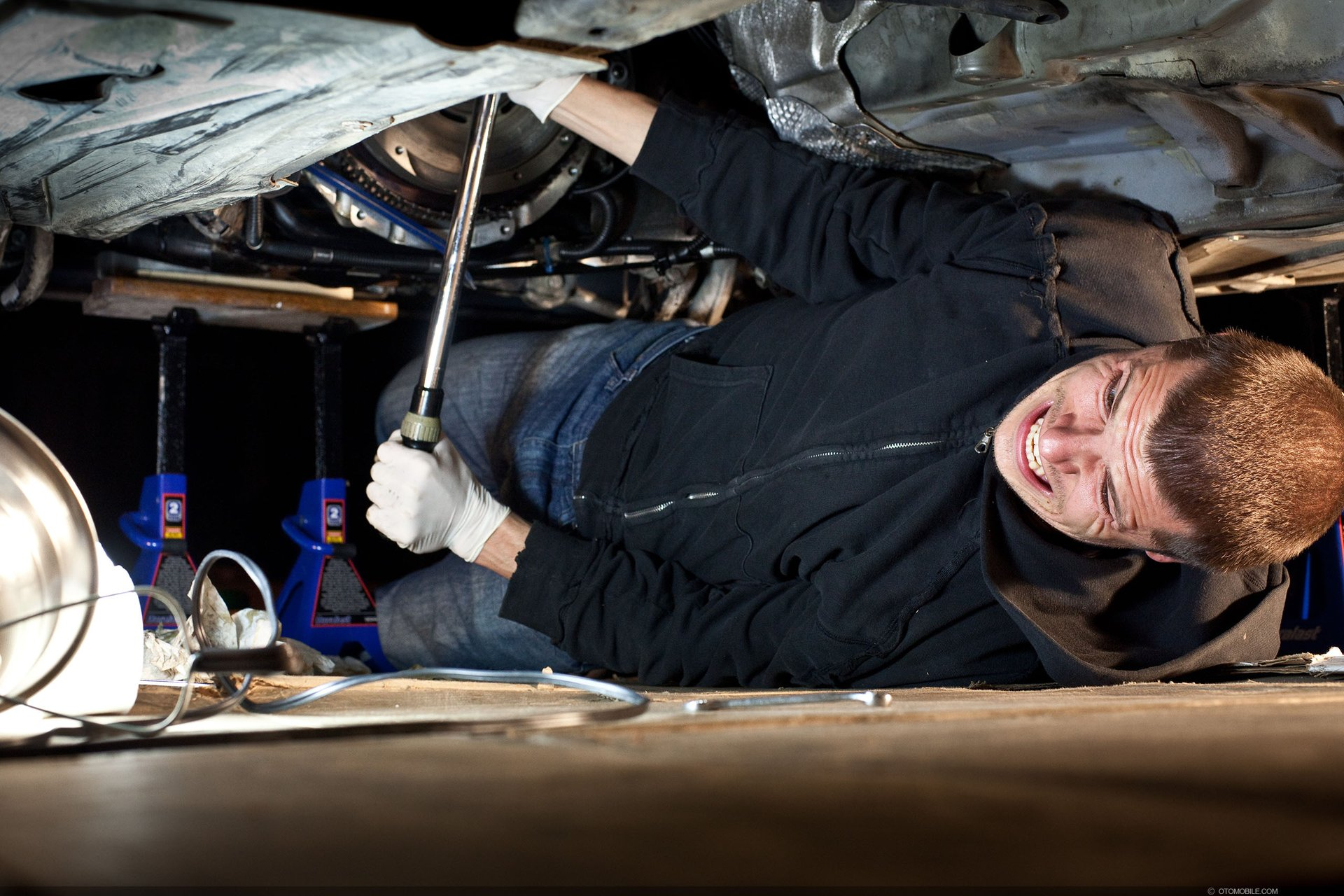 Rear Main Seal / Cluch / Transmission removal & install with