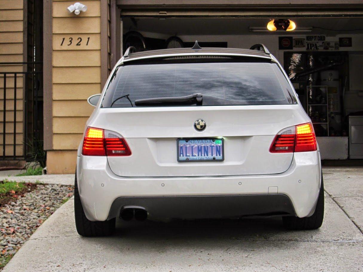 BMW 525i 530i 525Xi E60 M5 Left Taillight Bulb Carrier GENUINE NEW