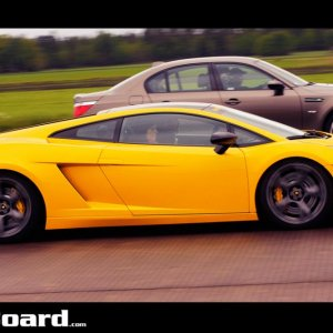 BMW M5 vs Gallardo SE