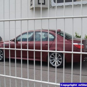 BMW-M-Garching-M5-IndyRed-800x600