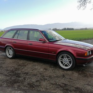 BMW M5 Touring E34: 1 of 209